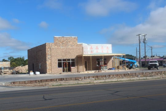 A new Heff's Burgers restaurant is being constructed at 2902 Sherwood Way. There was no set opening date as of Thursday, Sept. 27, 2018.