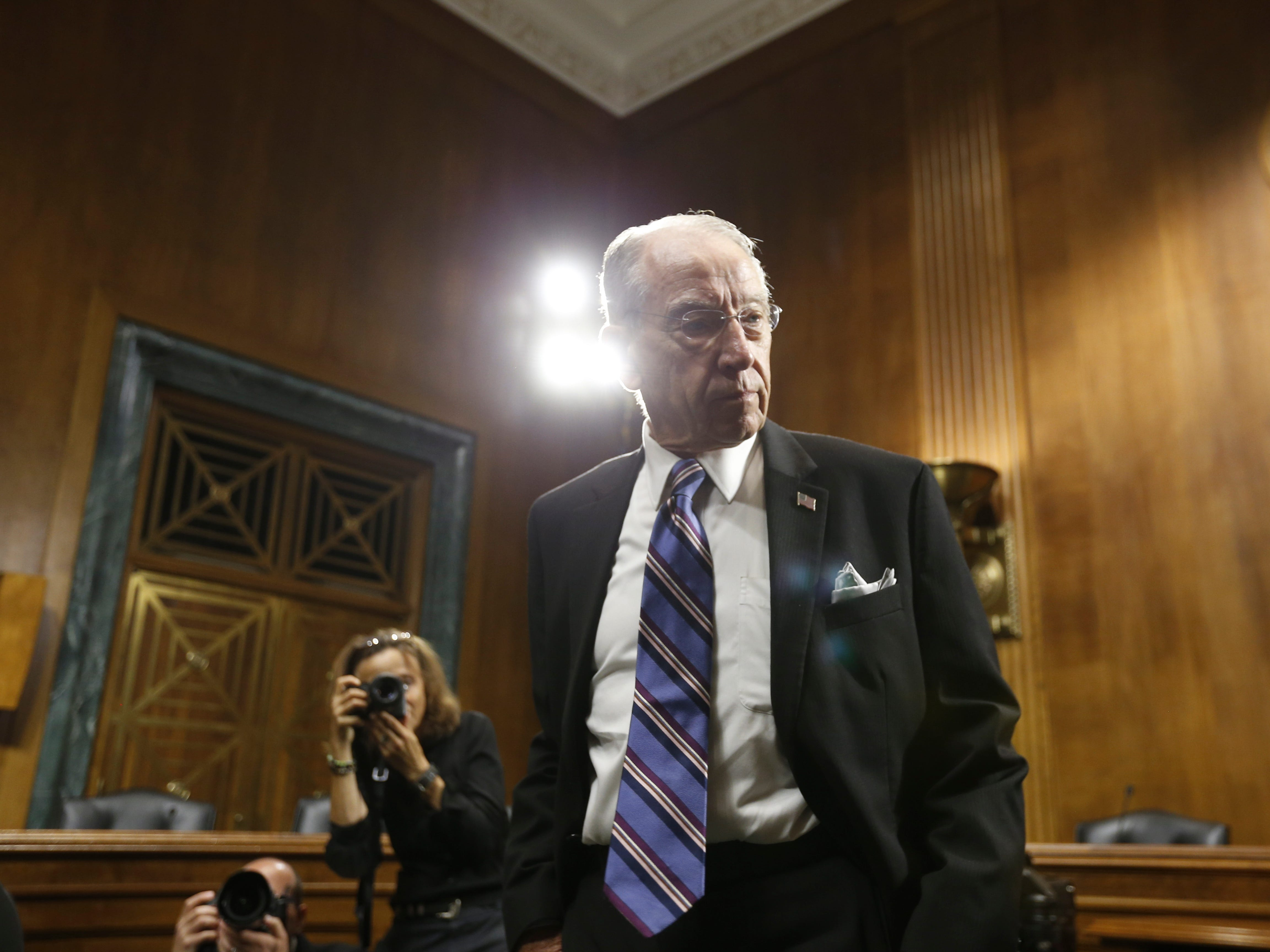 epa07050980 Senator Chuck Grassley checks outs the media area before the Senate Judiciary Committee hearing on the nomination of Brett Kavanaugh to be an associate justice of the Supreme Court of the United States, on Capitol Hill in Washington, DC, USA, 27 September 2018. US President Donald J. Trump's nominee to be a US Supreme Court associate justice Brett Kavanaugh is in a tumultuous confirmation process as multiple women have accused Kavanaugh of sexual misconduct.  EPA-EFE/MICHAEL REYNOLDS ORG XMIT: MRX03