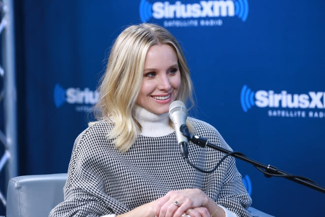 """Kristen Bells talked about how her daughter found out her parents are famous and what fans can expect in """"Frozen 2"""" on an appearance on SiriusXM's EW Radio."""