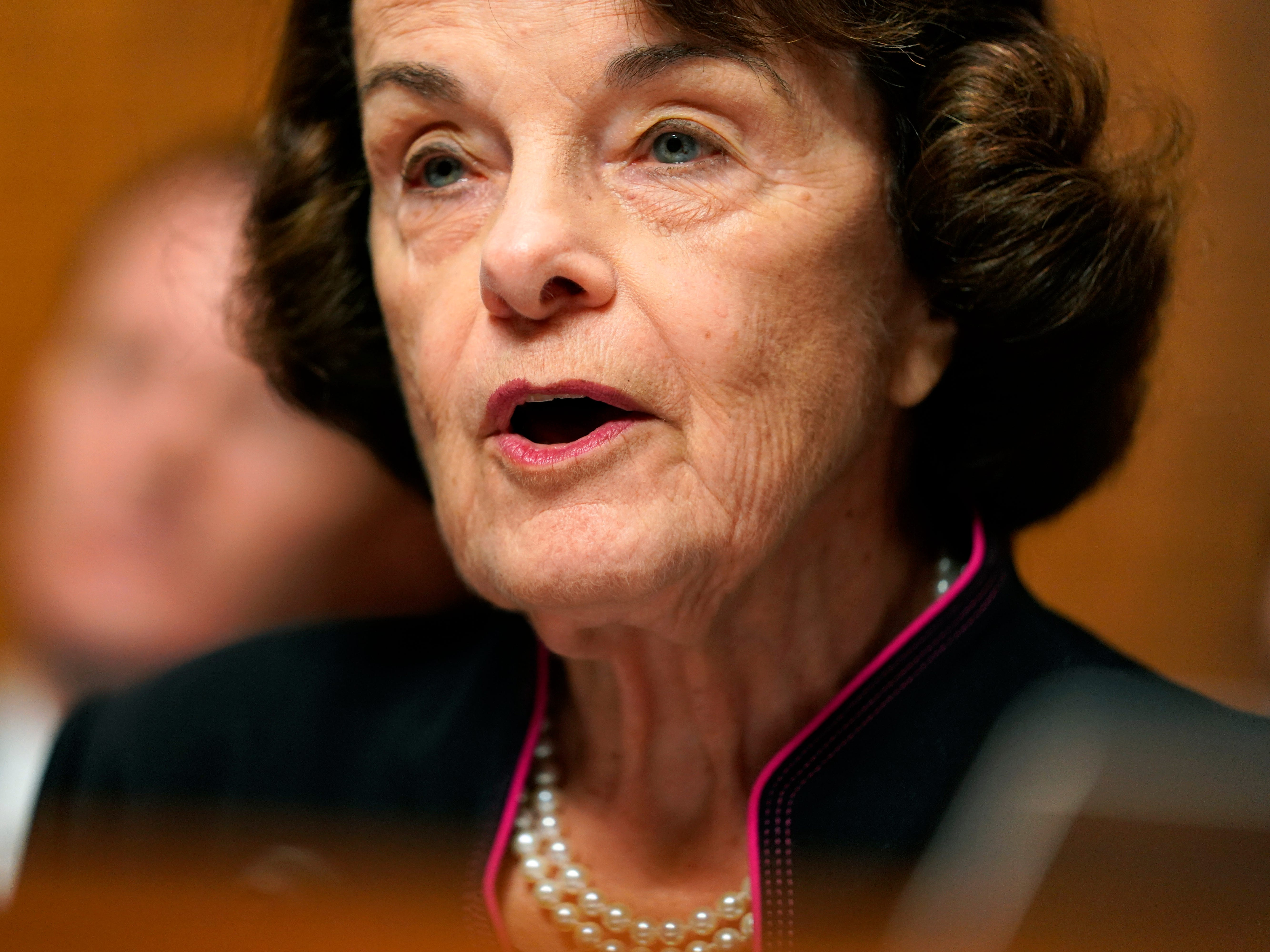 epa07051088 Sen. Dianne Feinstein, D-Calif., the ranking member, speaks before Christine Blasey Ford testifies in the Senate Judiciary Committee hearing on the nomination of Brett Kavanaugh to be an associate justice of the Supreme Court of the United States, on Capitol Hill in Washington, DC, USA, 27 September 2018. US President Donald J. Trump's nominee to be a US Supreme Court associate justice Brett Kavanaugh is in a tumultuous confirmation process as multiple women have accused Kavanaugh of sexual misconduct.  EPA-EFE/ANDREW HARNIK / POOL ORG XMIT: DCAH208