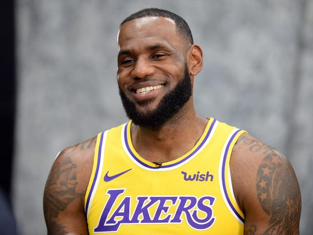 pretty nice d5732 a15fd LeBron James takes Lakers media to task
