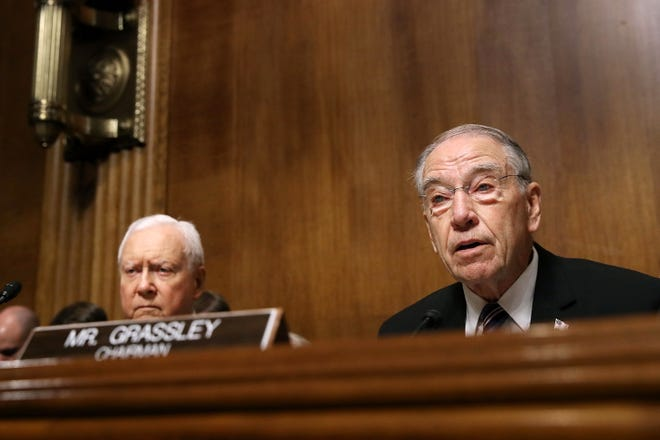 epa07051083 Senate Judiciary Committee Chairman Charles Grassley (R-IA) (R) delivers an opening statement before hearing from Christine Blasey Ford during a hearing with Sen. Orrin Hatch (R-UT) in the Senate Judiciary Committee hearing on the nomination of Brett Kavanaugh to be an associate justice of the Supreme Court of the United States, on Capitol Hill in Washington, DC, USA, 27 September 2018. US President Donald J. Trump's nominee to be a US Supreme Court associate justice Brett Kavanaugh is in a tumultuous confirmation process as multiple women have accused Kavanaugh of sexual misconduct.  EPA-EFE/JIM MCNAMEE / POOL ORG XMIT: DCAH207