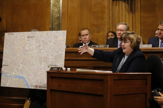 Republican prosecutor Rachel Mitchell (R) ask questions to Dr. Christine Blasey Ford.