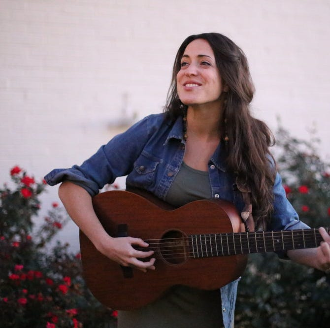 Mia Rose Lynne brings her own Nashville sound to the stage