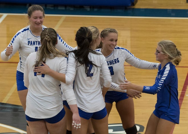 Southeastern volleyball defeated Adena on Tuesday in three sets, 25-22, 25-21 and 25-15.
