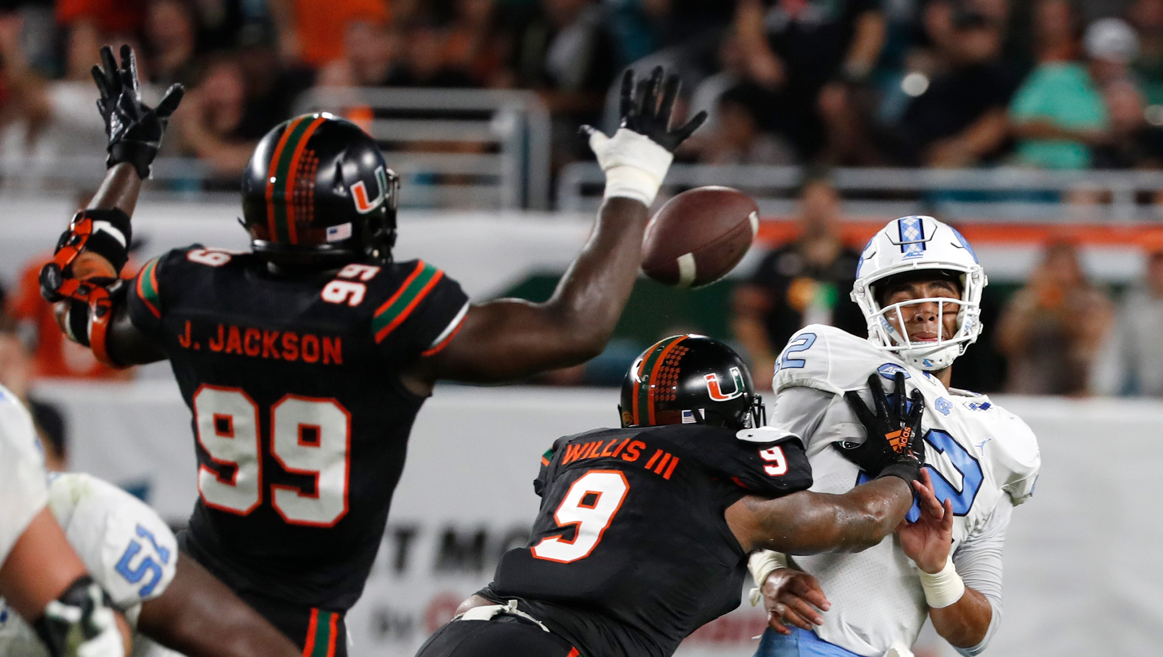 Thursday S College Football No 16 Miami Rolls By Unc