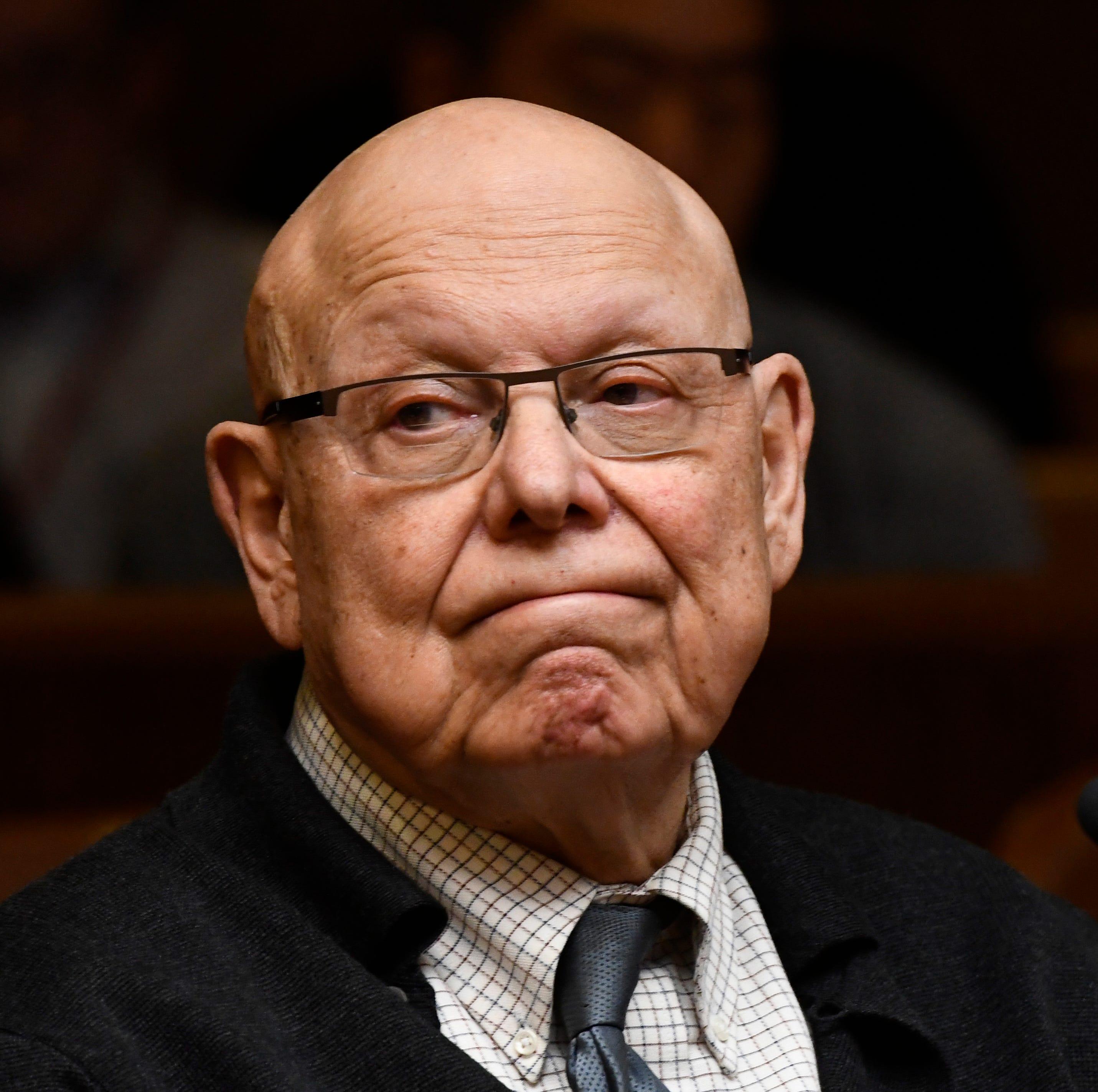 Psychologist in Nassar case surrenders license
