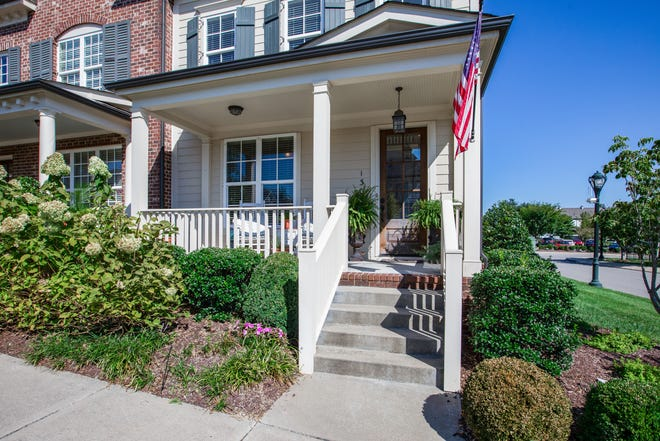 Townhomes in Williamson County can offer a lower price to homebuyers than a single-family home. Many come with similar finishes and amenities with less maintenance than a detached home.