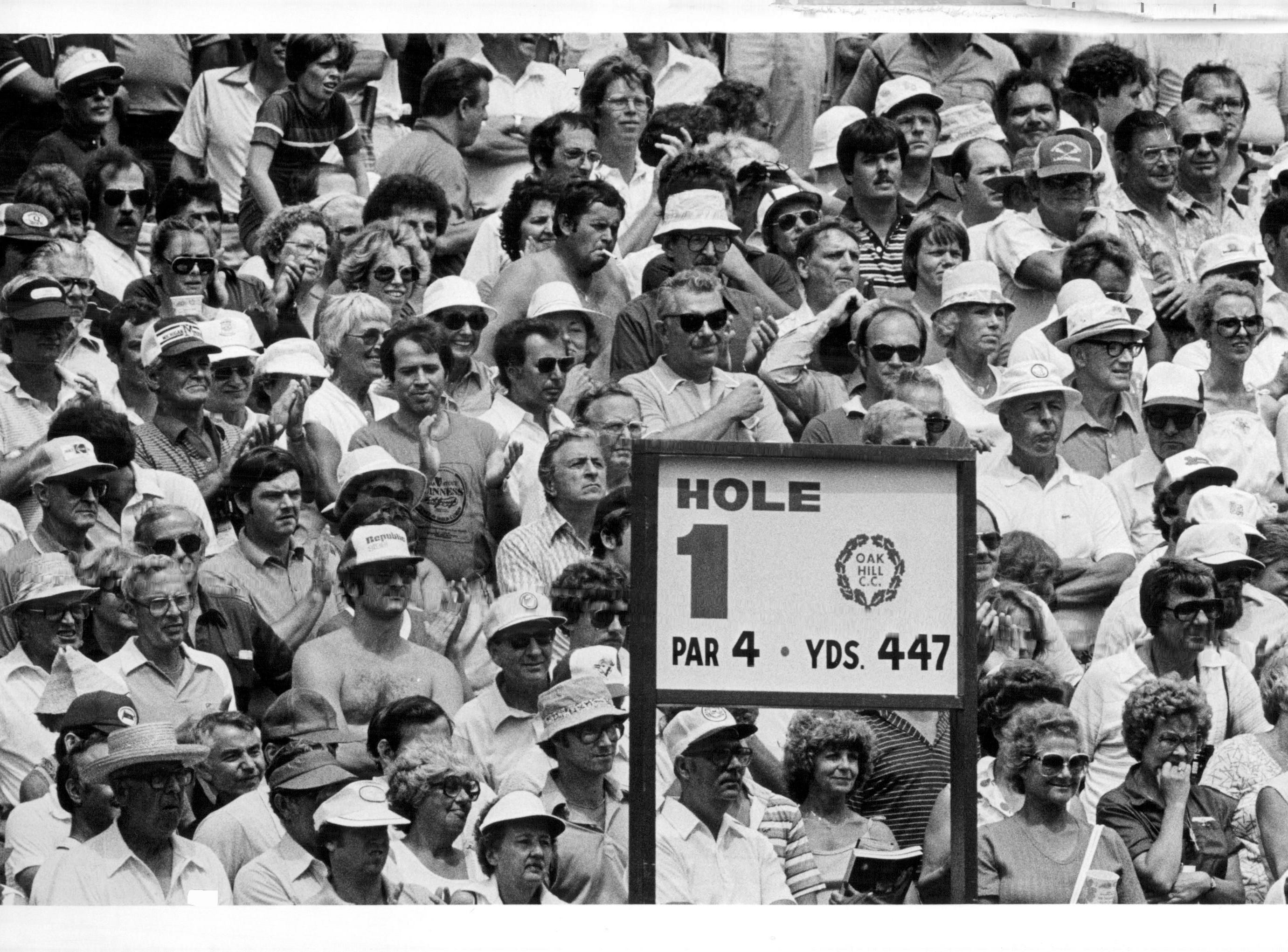 A large crowd gathers at the first hole at Oak Hill during the 1980 PGA Championship.