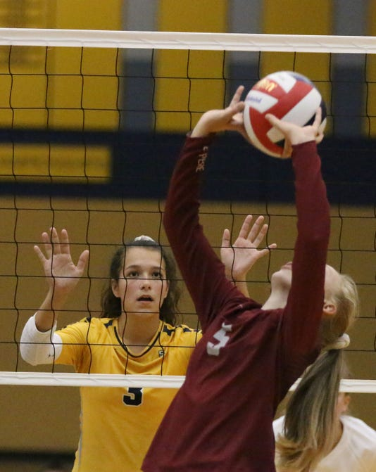 092718 She De Pere At Sheboygan North Vb Gck 02
