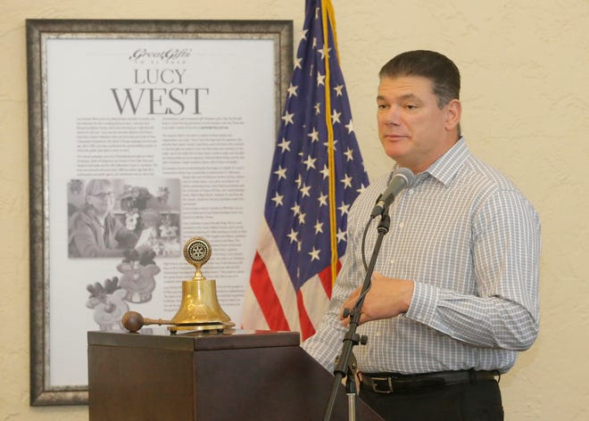 El Paso County Sheriff Richard Wiles speaks Thursday in Downtown at the monthly meeting of the Rotary Club of El Paso. He defended using the county's jails to hold federal prisoners, including undocumented immigrants. There has been continuous debate regarding the detention of undocumented immigrants in the El Paso County jail system.