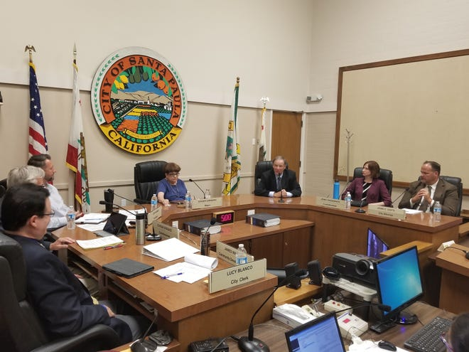 The Santa Paula City Council selected former Fire Chief Rick Araiza to fill the spot that opened up when Martin Hernandez resigned.
