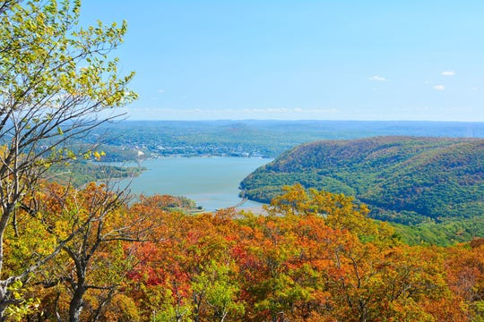 An autumn view from the Overlook at Bear Mountain State Park.