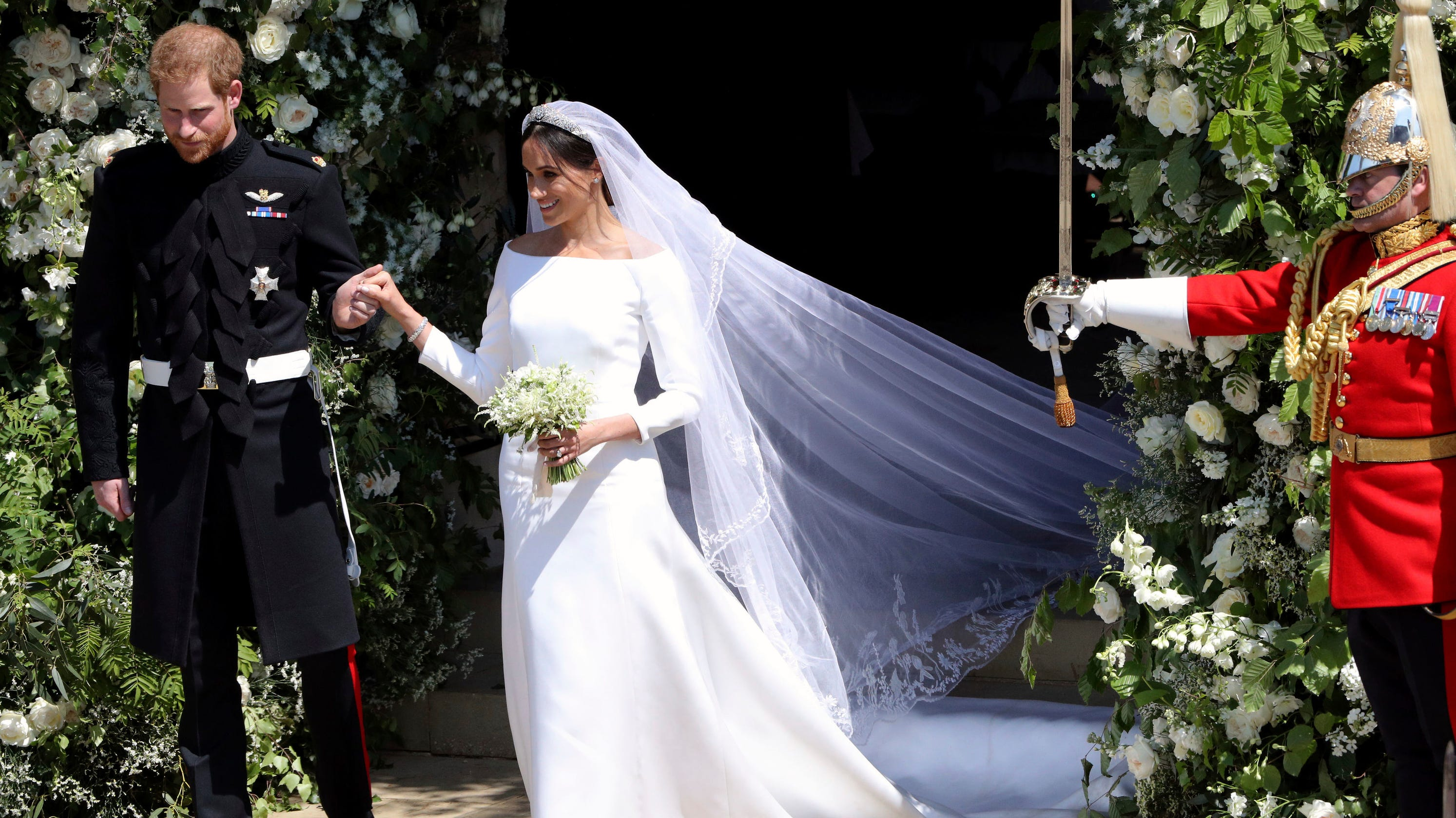 8c4e76e40 Duchess Meghan's sister apologizes, blames wedding snub for insults