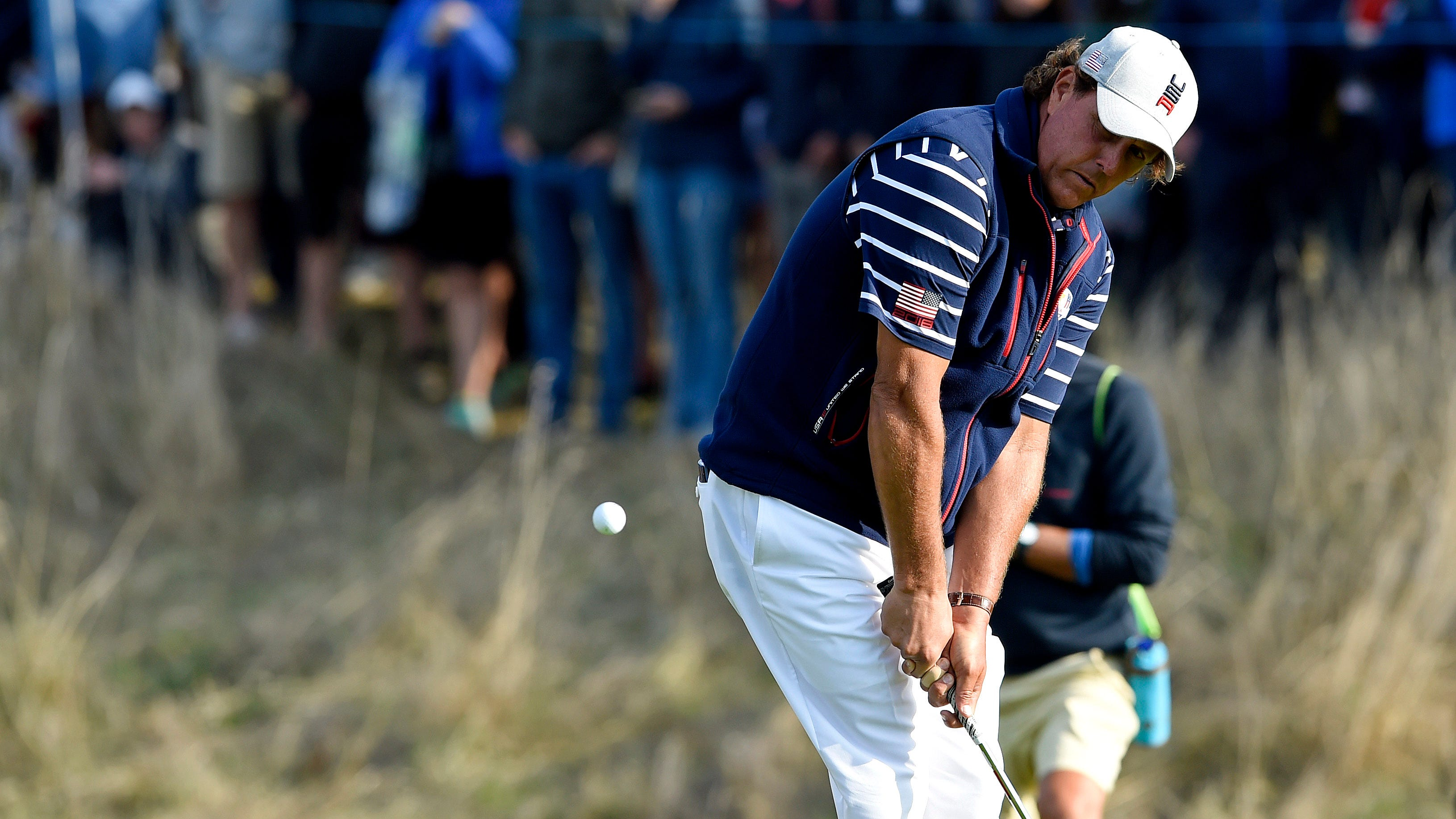 Phil Mickelson, coming off winless Ryder Cup, tees off season at Safeway Open