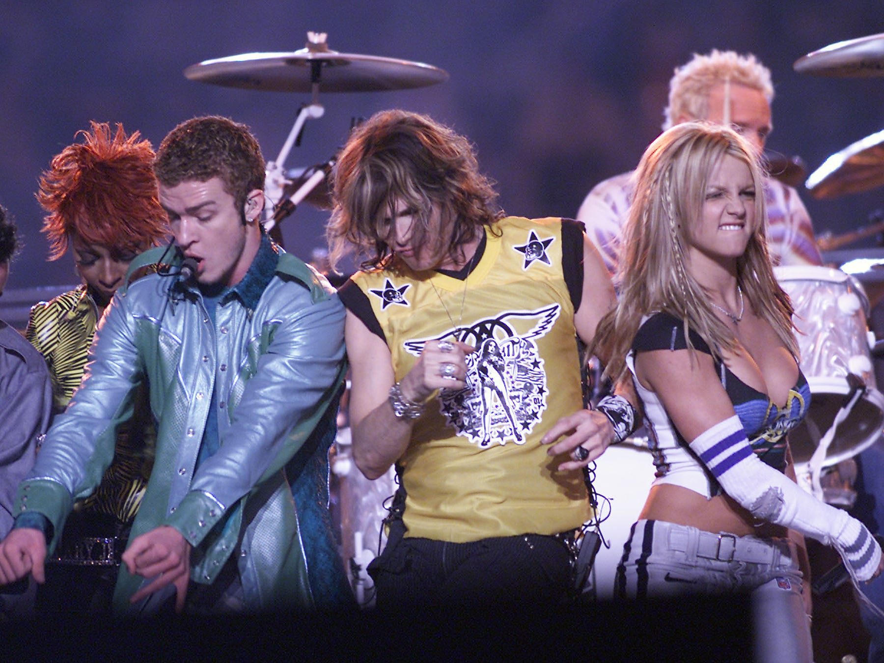(l to r)  Mary J. Blige, Justin Timberlake, Steven Tyler, and Britney Spears on stage during MTV's Superbowl halftime show at Raymond James Stadium in Tampa, Fla..  1/28/01  Photo by Scott Gries/ImageDirect