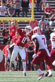 Artur Sitkowski throwing against Indiana