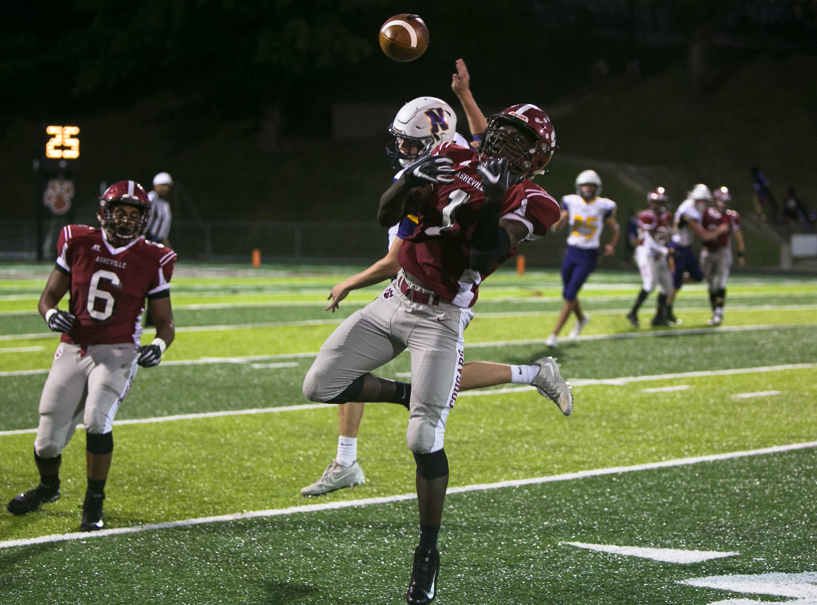 Asheville High beat out North Henderson on Friday, September 28th, 2018 at Asheville, with a final score of 50-14.
