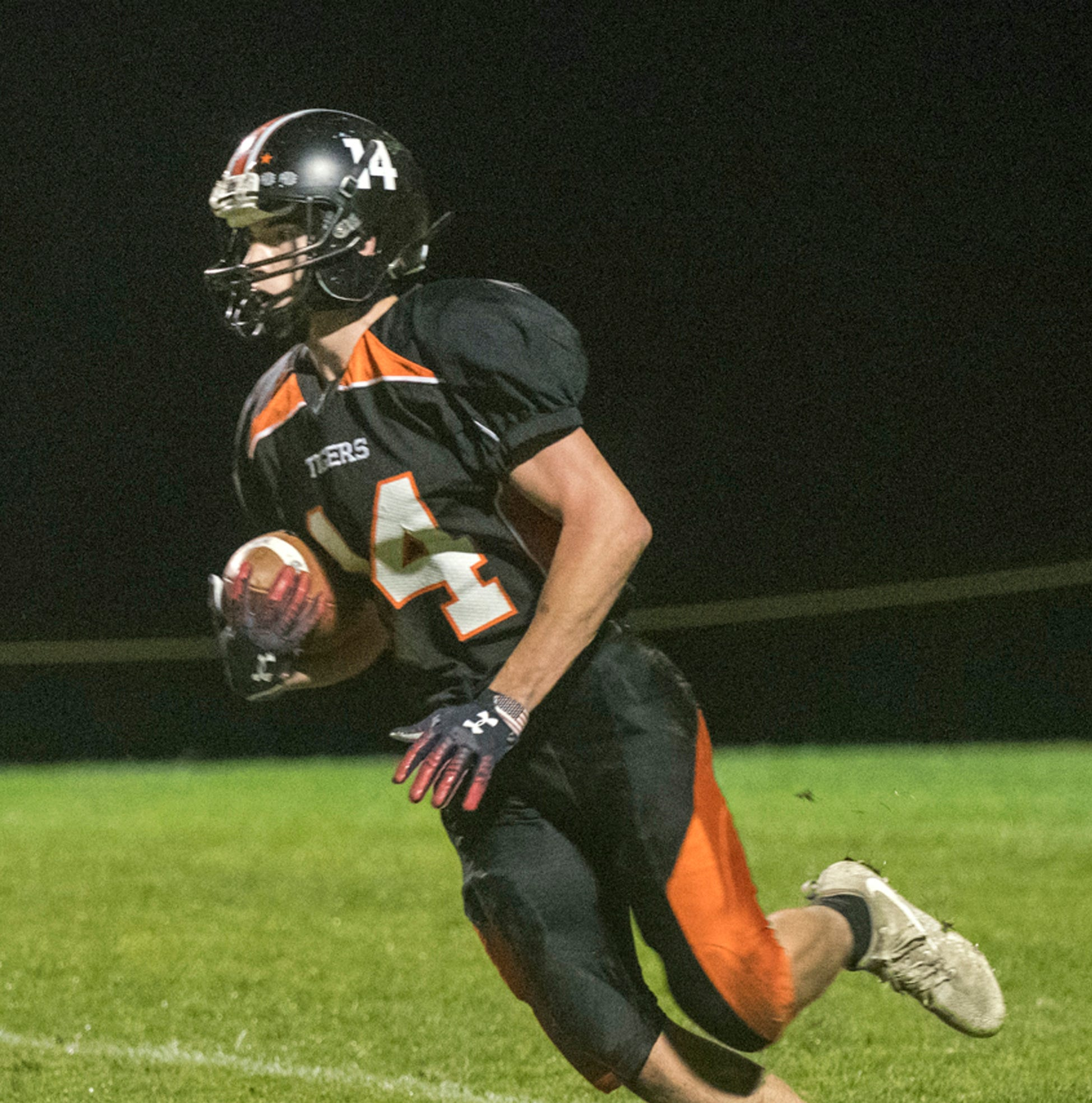 Vermont high school highlights: Middlebury football outlasts SeaWolves