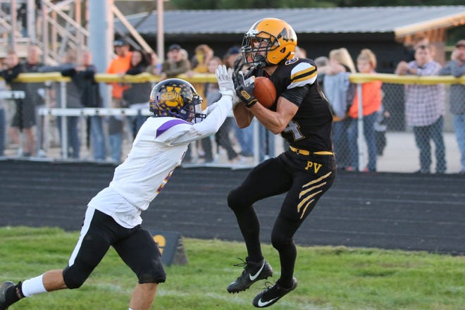 Paint Valley's Cruz McFadden catches a touchdown pass in a 26-21 win over Unioto on Sept. 28, 2019 at Paint Valley High School.