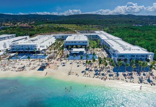 hotel riu reggae is a all inclusive adults only hotel in montego bay jamaica