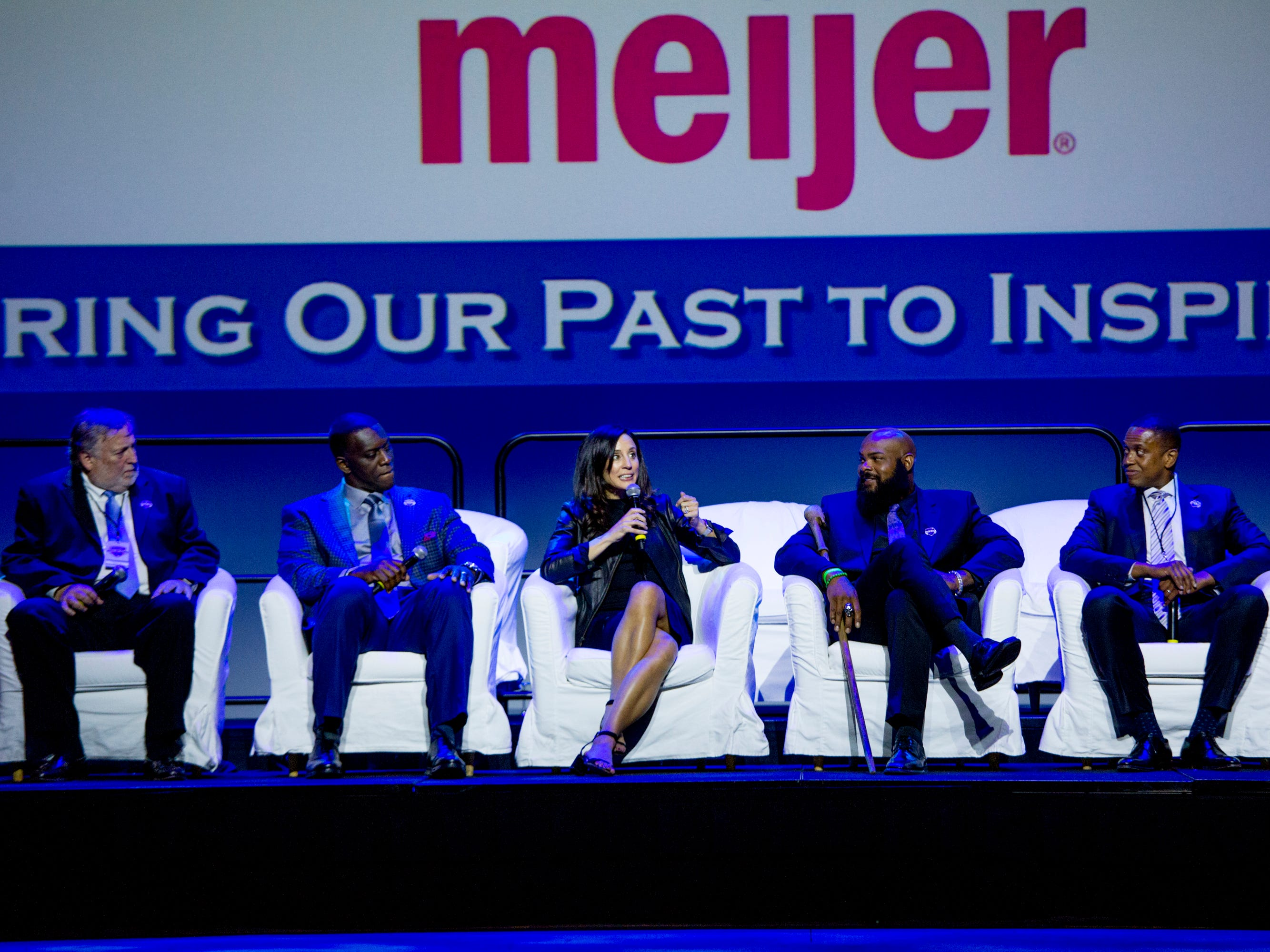 (L to R) Sports journalist Mike McCabe,  former Detroit Lion Robert Porcher, Olympic soccer player Kate Sobrero Markgraf, former Spartan running back TJ Duckett and former pro basketball player BJ Armstrong sit on stage during the Michigan Sports Hall of Fame induction ceremony at Motor City Casino in Detroit, MI on September 28, 2018.