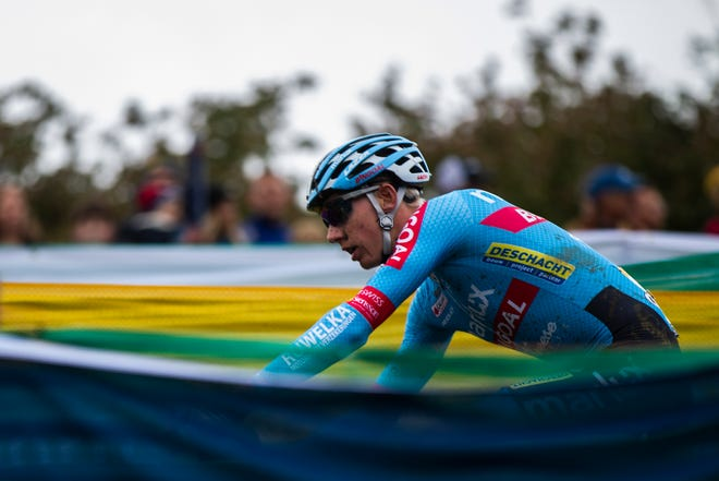 Michael Vanthourenhout (4) of Belgium rides down Mt. Krumpit during the UCI Cyclo-Cross World Cup elite men's race on Saturday, Sept. 29, 2018, at the Johnson County Fairgrounds in Iowa City.