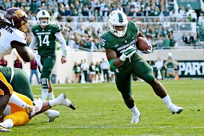 Michigan State's La'Darius Jefferson runs for a gain during the third quarter on Saturday, Sept. 29, 2018, at Spartan Stadium in East Lansing.