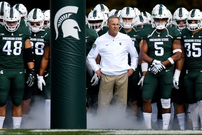 The last six times Mark Dantonio's Michigan State program has been a three-touchdown favorite, the Spartans haven't covered the point spread. But as an underdog, MSU under Dantonio is a good bet.