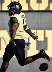 Vanderbilt running back Ke'Shawn Vaughn (5) runs in a touchdown against TSU during the second half at Vanderbilt Stadium in Nashville, Tenn., Saturday, Sept. 29, 2018.
