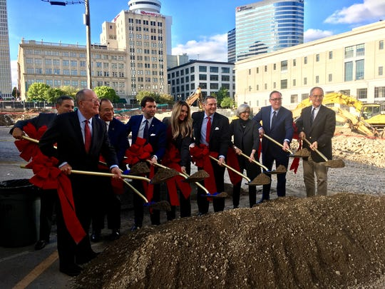 U.S. Sen. Lamar Alexander, left, and U.S. Rep. Jim Cooper, far right, pose during a groundbreaking for a new federal courthouse in Nashville.