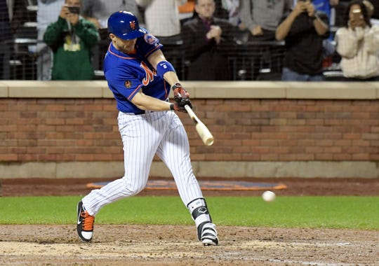 New York Mets pinch-hitter David Wright grounds out during the fifth inning of the team's baseball game against the Miami Marlins on Friday, Sept. 28, 2018, in New York.
