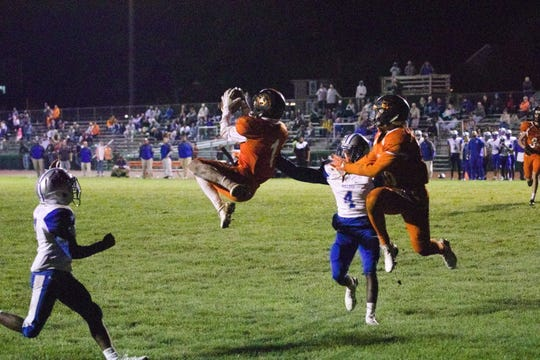 Sean Carter's leaping touchdown grab in the 4th quarter helped Palmyra to a 42-36 win over Steel-High on Friday night.