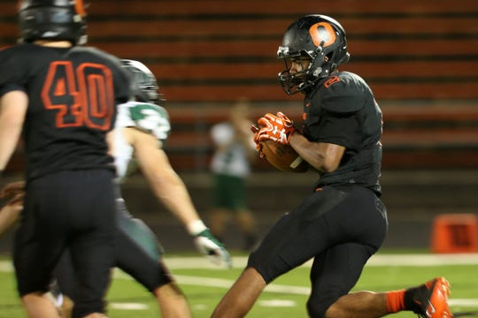 Sprague's Floyd Davidson (2) rushes in the second half of the Tigard vs. Sprague football game at Sprague High School in Salem on Friday, Sept. 28, 2018. Tigard won the game 58-13.
