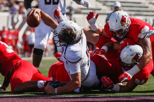 Peyton Huslig stretches to score a touchdown during the Missouri State Bears' game against the Illinois State Redbirds at Plaster Stadium on Saturday, Sept. 29, 2018.