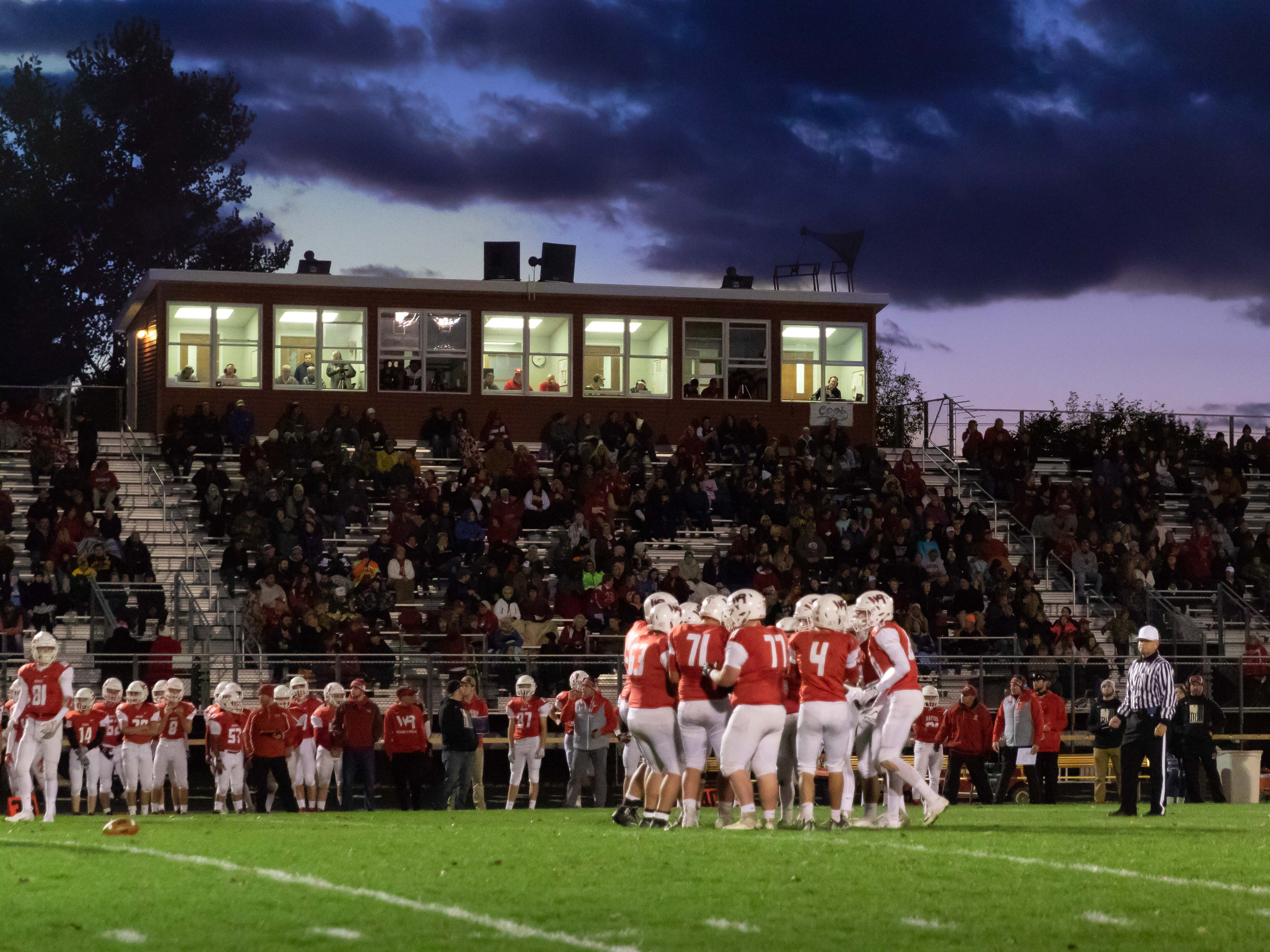 Wisconsin Rapids edged Wausau West 26-20 in a Valley Football Association game on Friday at South Wood County 2000 field. It also was the Raiders' Homecoming.