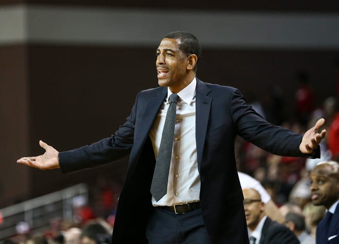 Former Connecticut Huskies head coach Kevin Ollie during a March game.