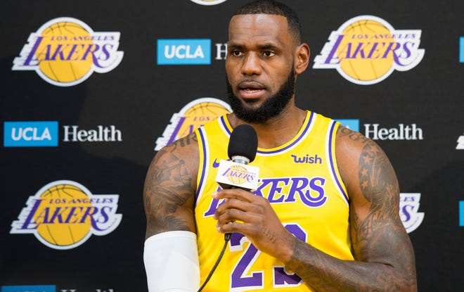 LeBron James doesn't plan to play many minutes in the preseason with the Lakers.