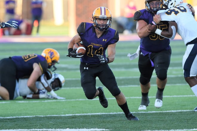 Hardin-Simmons sophomore Bryson Hammonds (14) is making the most of his opportunities this season. The Coleman product started the year as a receiver, but has moved into the backfield in the absence of Jaquan Hemphill.