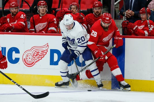 Luke Witkowski, Red Wings bench