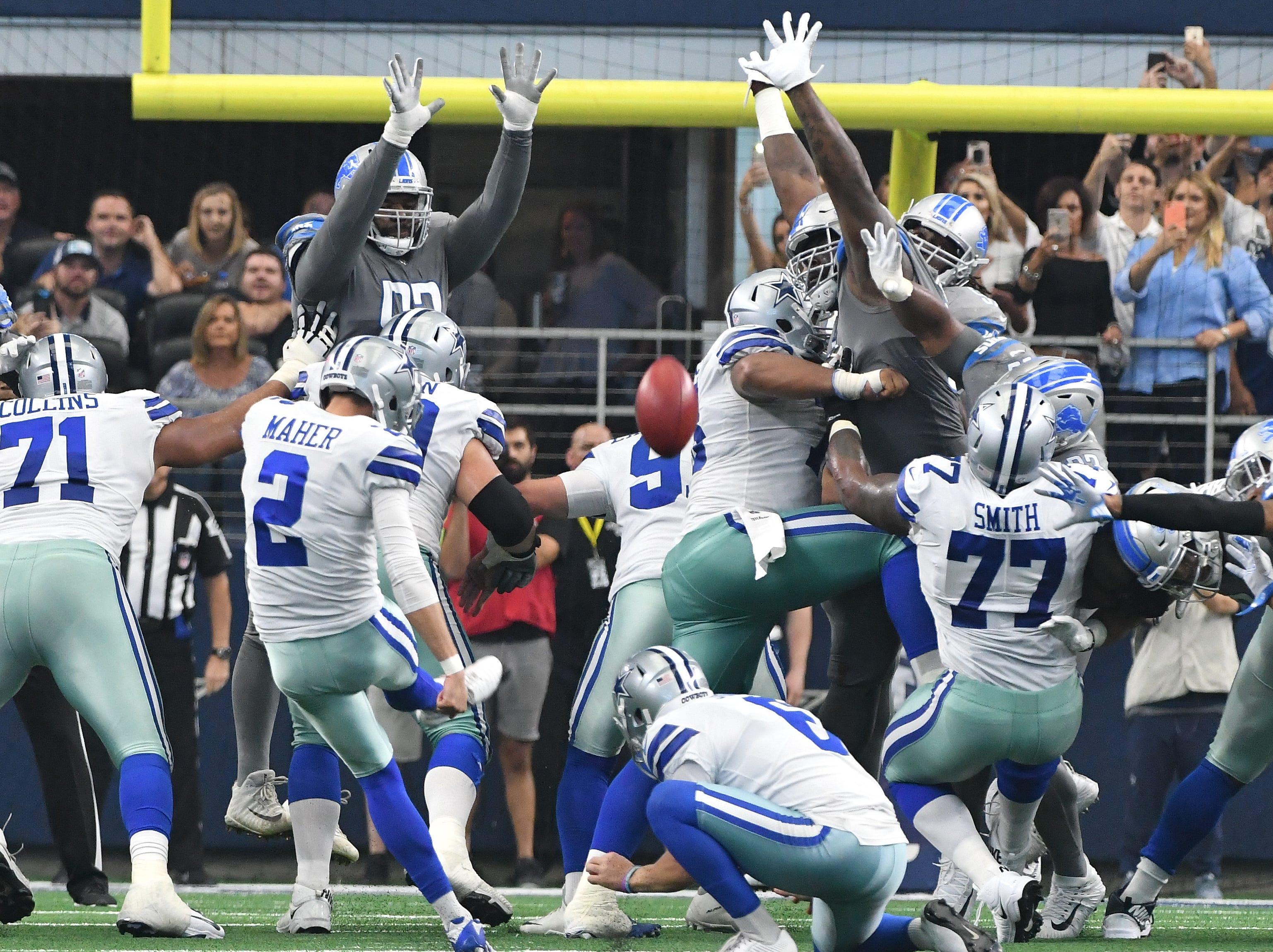 Cowboys kicker Brett Maher splits the uprights, winning the games with a last second field goal, 26-24.