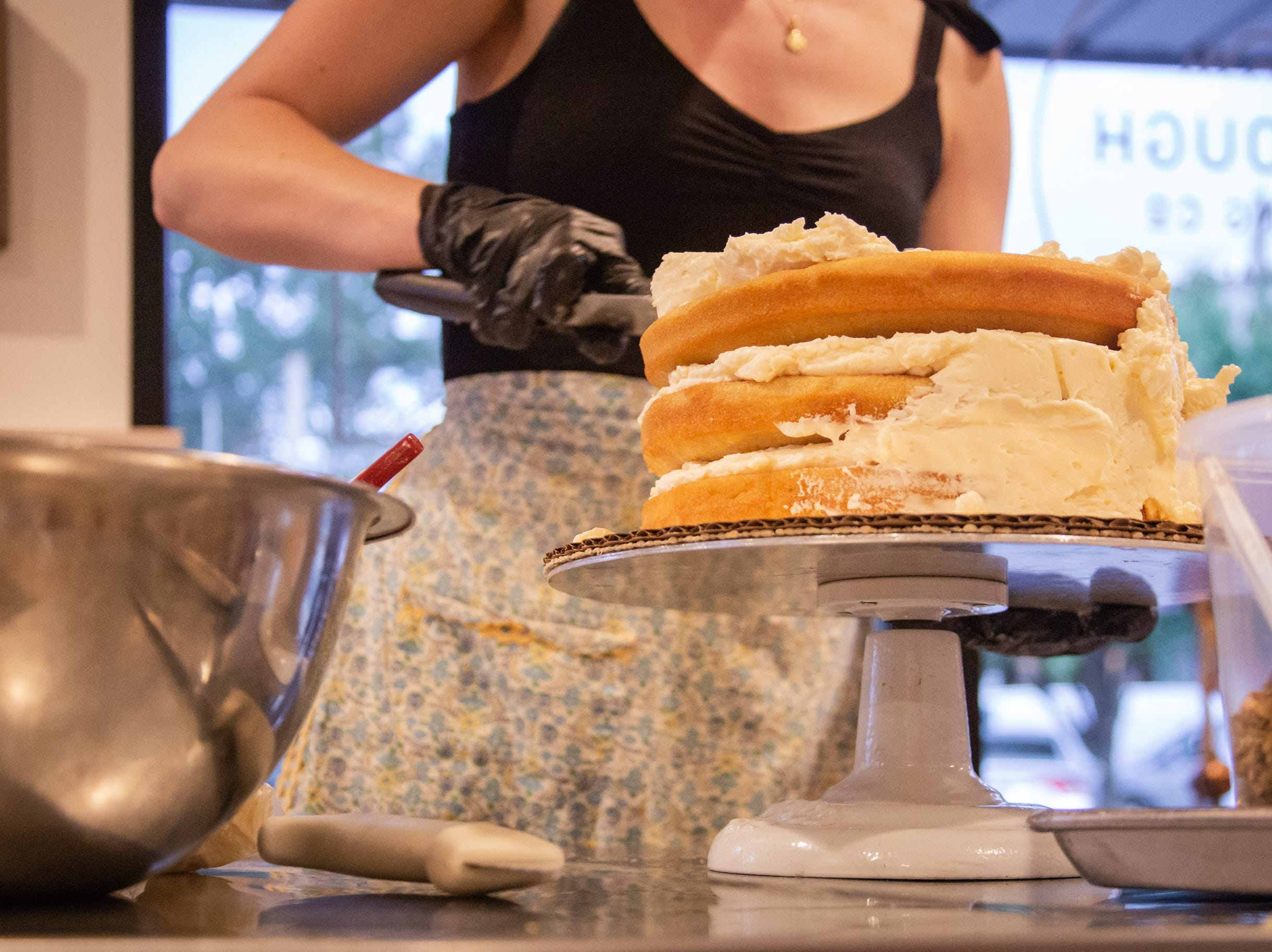 Once a month, for the next three months, SoDough will host their Autumn Series Baking classes. The first of four took place on Thursday, September 27, 2018 and focused on cake assembly and decoration. Tallahassee, FL.