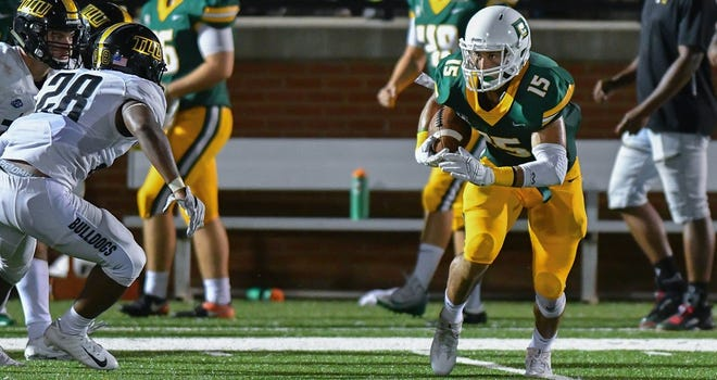 Belhaven's Joey Walden caught the game-winning TD pass Saturday at Howard Payne