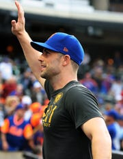 Sep 30, 2018; New York City, NY, USA; New York Mets third baseman David Wright (5) waves to the fans for the final time after defeating the Miami Marlins at Citi Field.