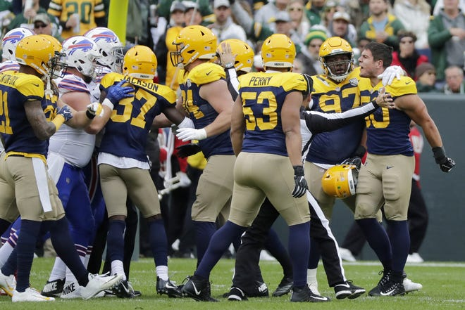 Green Bay Packers linebacker Blake Martinez (50) removes his helmet after a play against the Buffalo Bills at Lambeau Field on Sunday, September 30, 2018 in Green Bay, Wis. Adam Wesley/USA TODAY NETWORK-Wisconsin