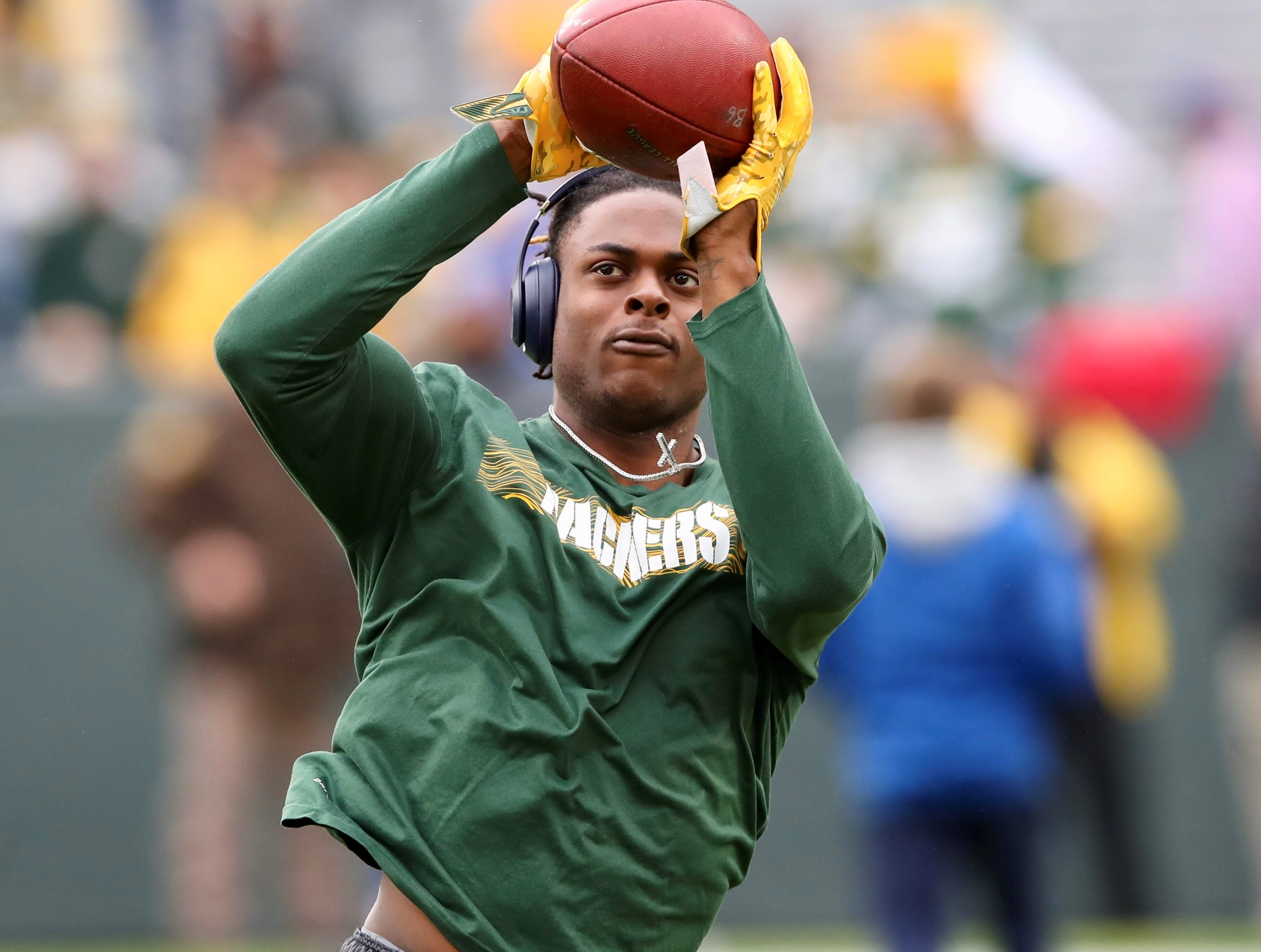 Green Bay Packers receiver Davante Adams warms up before the game against Buffalo at Lambeau Field September 30, 2018.