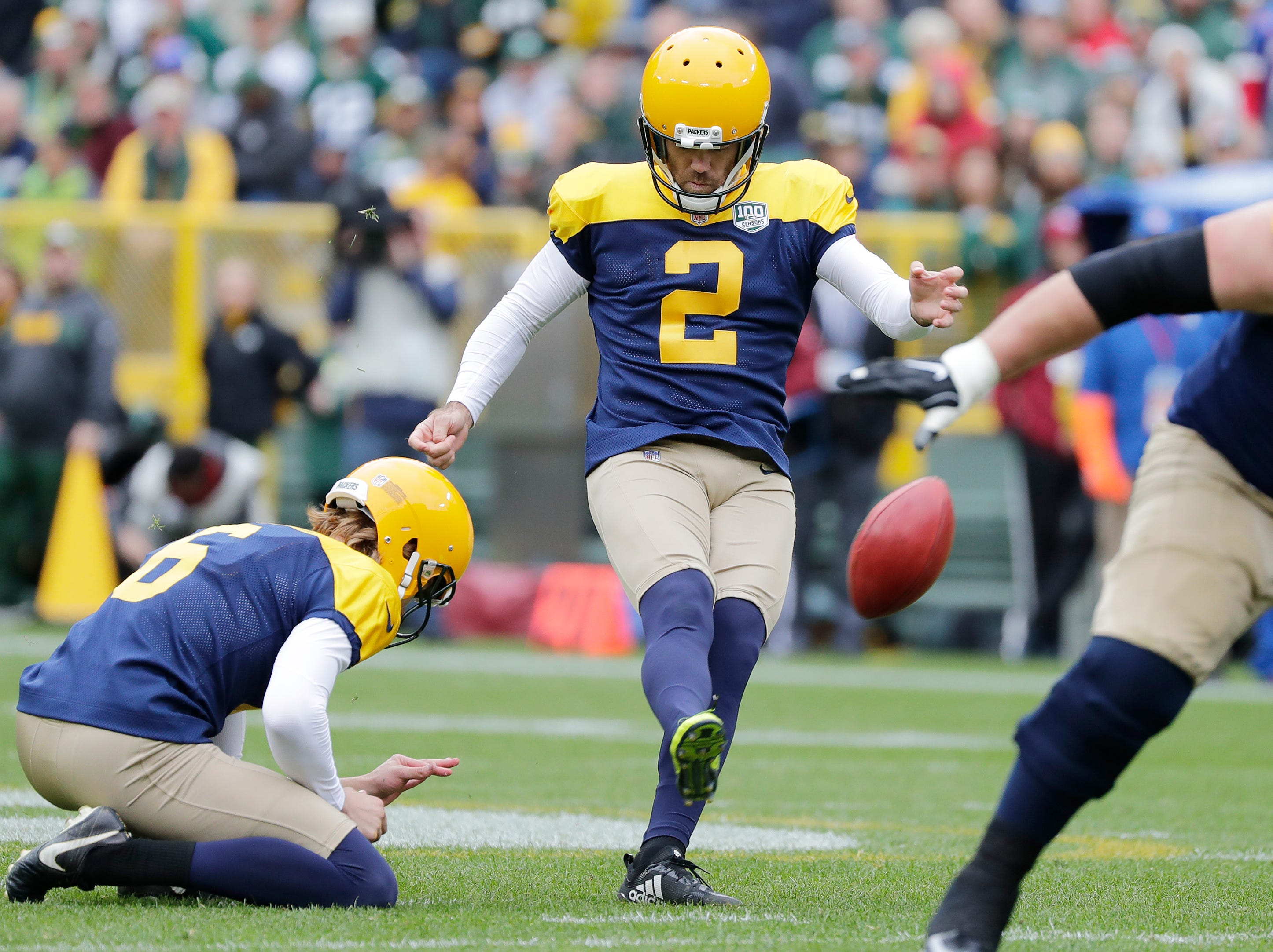 Green Bay Packers kicker Mason Crosby (2) kicks a field goal in the fourth quarter against the Buffalo Bills at Lambeau Field on Sunday, September 30, 2018 in Green Bay, Wis.Adam Wesley/USA TODAY NETWORK-Wisconsin