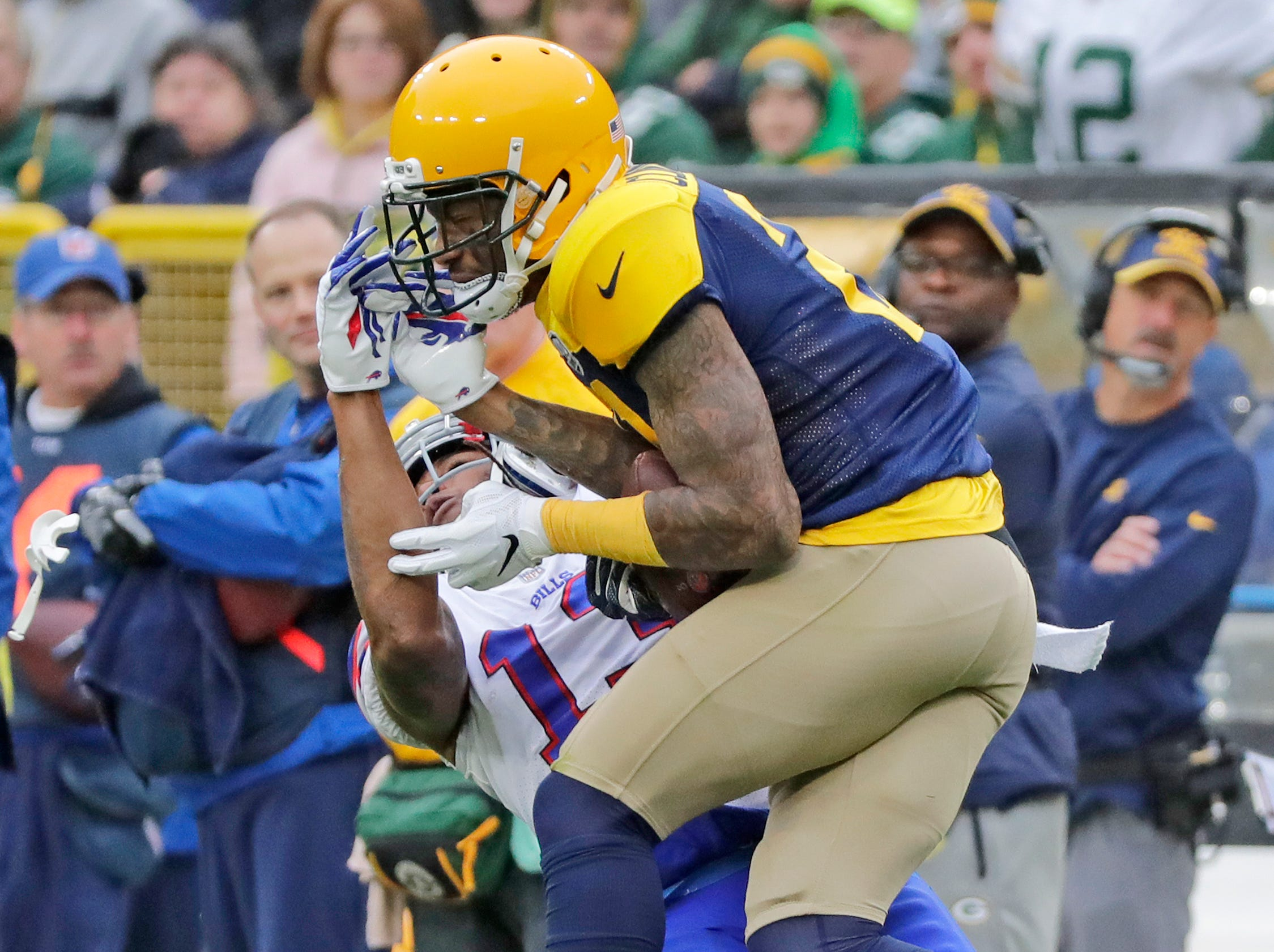 Green Bay Packers defensive back Ha Ha Clinton-Dix (21) intercepts a pass intended for Buffalo Bills wide receiver Kelvin Benjamin (13) in the third quarter at Lambeau Field on Sunday, September 30, 2018 in Green Bay, Wis.Adam Wesley/USA TODAY NETWORK-Wisconsin
