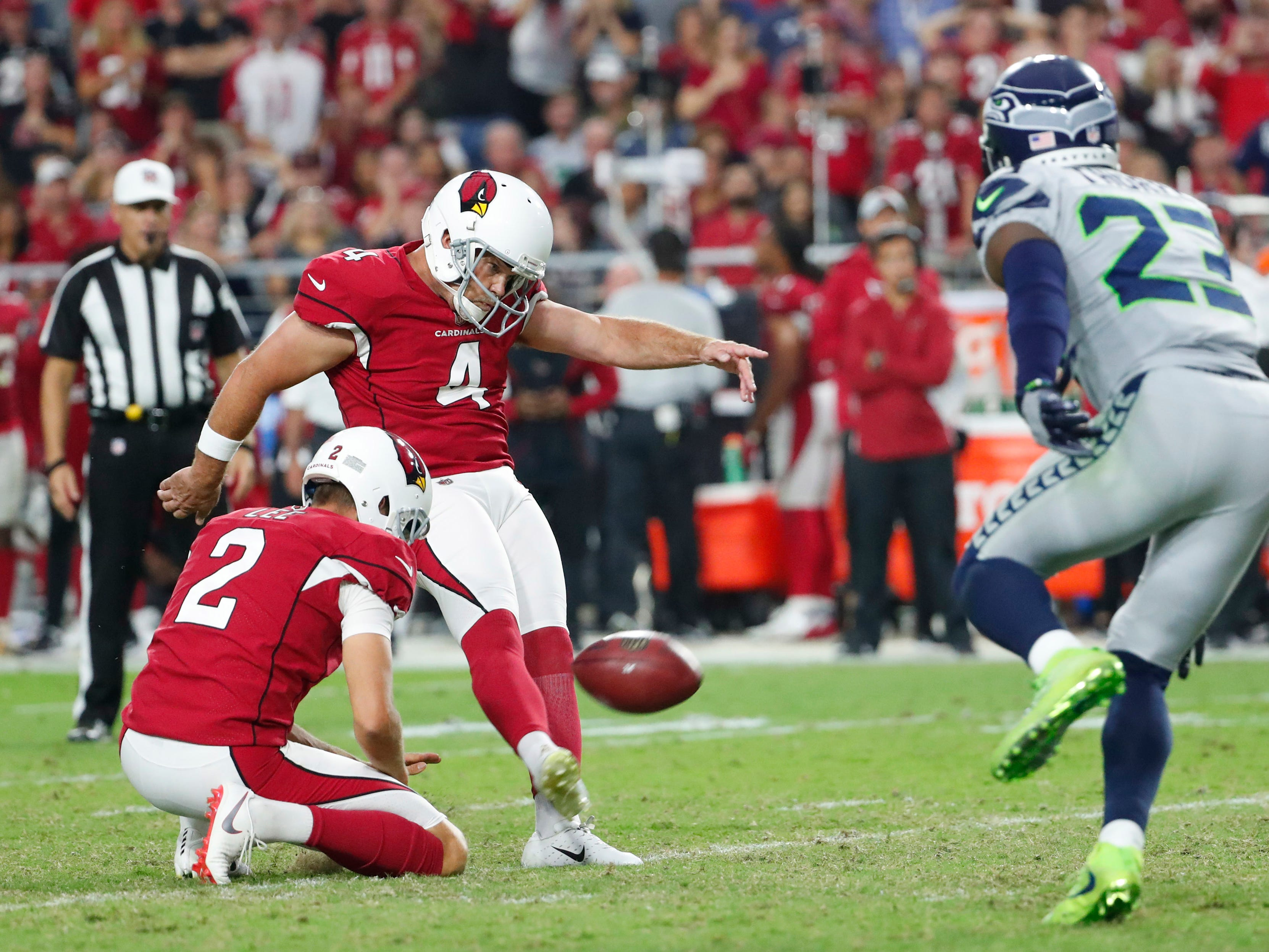 Arizona Cardinals kicker Phil Dawson (4) misses a field goal against the Seattle Seahawks lat in the fourth quarter at State Farm Stadium in Glendale, Ariz. September 30, 2018.