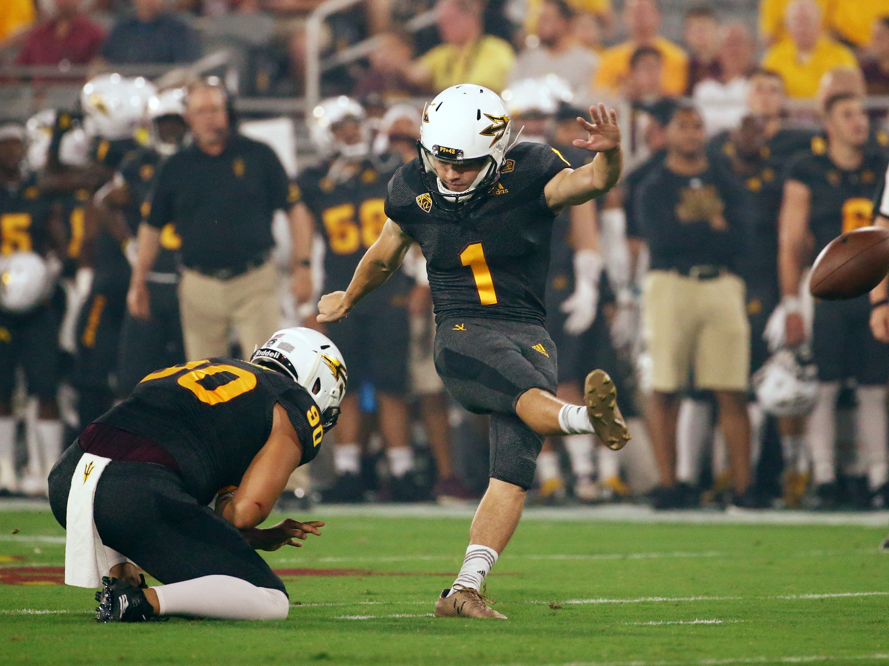 Arizona State Brandon Ruiz kicks a field goal against Oregon State in the first half on Sep. 29, 2018, at Sun Devil Stadium.